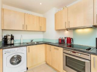 Gun Wharf Quays 1 Bedroom Apartment sleeps 4