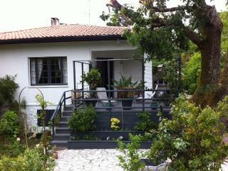 T2  Rez de jardin dans villa 600m Plage Pereire, Arcachon
