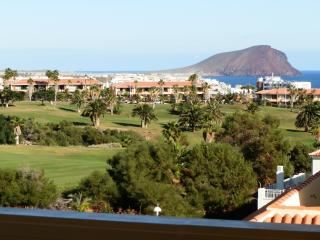 Superb Views. 1 Bed Apartment Sleeps 4 Adults, Golf del Sur
