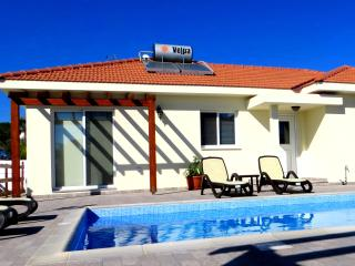 Self Catering Holiday Rental, Psematismenos
