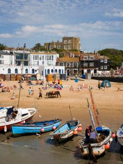 Viking Bay, Broadstairs - credit Thanet Tourism