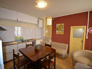 Modica Holiday Home Sleeps 6 with Air Con and WiFi - 5229287