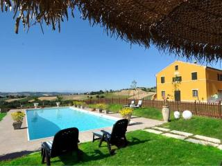 2 bedroom Villa in Recanati, The Marches, Italy : ref 5229679