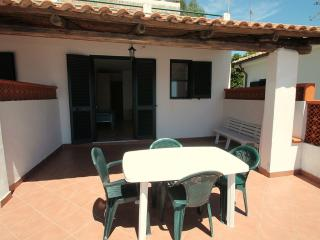 1 bedroom Villa with Air Con, WiFi and Walk to Beach & Shops - 5229339