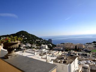 Capri Apartment Sleeps 4 with Air Con and WiFi - 5229423
