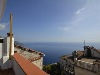 Ravello Apartment Sleeps 5 with Air Con and WiFi - 5229428