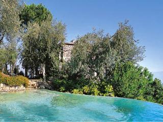 Sorrento Villa Sleeps 2 with Pool Air Con and WiFi - 5229441