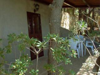 Vieste Villa Sleeps 4 with Air Con and WiFi - 5229460