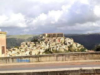 Ragusa Apartment Sleeps 2 with Air Con - 5229461