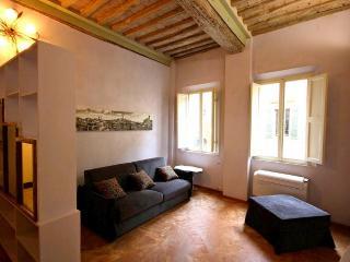 Sienna Villa Sleeps 2 with Air Con and WiFi - 5238839