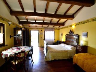 Osteria di Ramazzano Villa Sleeps 3 with Pool Air Con and WiFi - 5229536