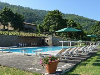 6 bedroom Villa in Monterchi, Tuscany, Italy : ref 5229564
