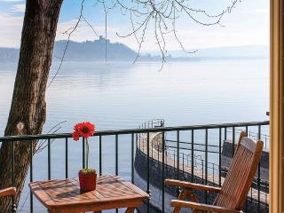 Meina Villa Sleeps 4 with Pool and WiFi - 5229567