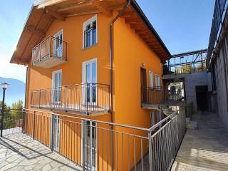 Casa Osmanto B, Vercana