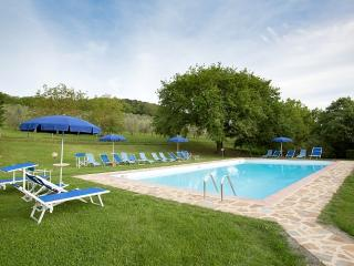Sant'Antimo Villa Sleeps 4 with Pool and WiFi - 5228343
