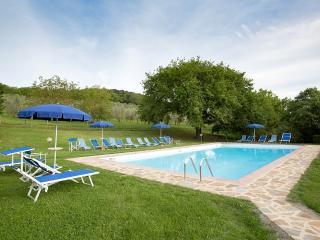 Sant'Antimo Villa Sleeps 4 with Pool and WiFi - 5228343