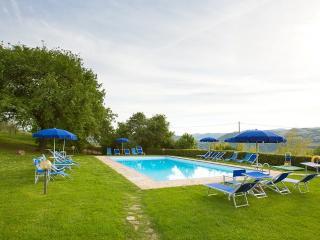 Sant'Antimo Villa Sleeps 5 with Pool and WiFi - 5228342
