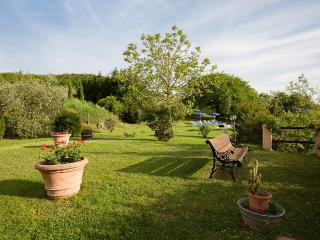 Sant'Antimo Villa Sleeps 8 with Pool and WiFi - 5228344