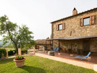 4 bedroom Villa in San Quirico d'Orcia, Tuscany, Italy : ref 5228344