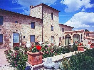 Casa Gelso D, Colle di Val d'Elsa