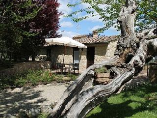 2 bedroom Villa in Colle di Val d'Elsa, Tuscany, Italy : ref 5228483