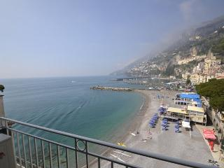 Amalfi Apartment Sleeps 5 with Air Con and WiFi - 5228523