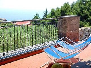 Villa Silvestre A, Sant'Agata sui Due Golfi