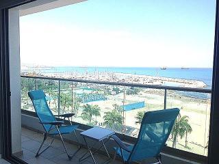 2b Deluxe seafront - Finikoudes beach, Larnaka City