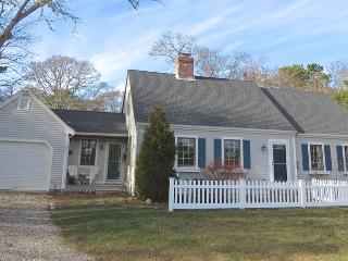 Spacious Home, Walk to Town, Linens Included-053-B, Brewster