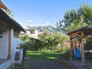 Peaceful Garden Suite Mariposa in Historical Quito