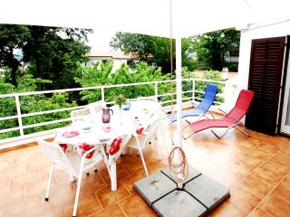 TH02403 Apartments Nata / Three bedrooms A2, Malinska