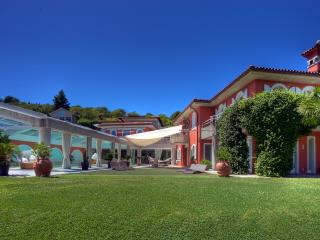Villa Colombei – with Pool, Fitness, Squash & Spa, Lugano
