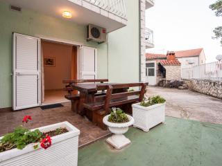 TH01213 Apartments Vukšić / One bedroom A6, Zlarin Island