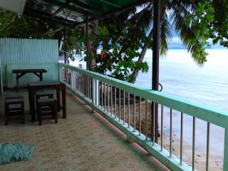 Beach Bungalow with Sea View, Ang Thong
