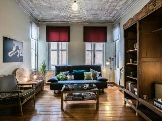 Galata Charm+High Ceilings+ 4Rooms