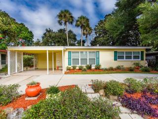 Adorable, Remodeled 2/1  home in Ormond Beach