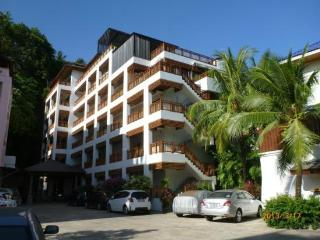 SUR414 - Apartment for Rent Near Surin Beach