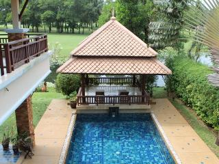 LAY117  Spacious poolside villa with tropical garden, Choeng Thale
