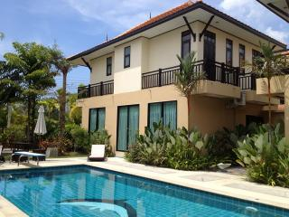 NYG 310 Three Bedroom Share Pool Near Beach, Nai Yang