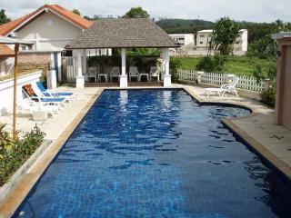 NYG171 Single House Share Pool Nai Yang