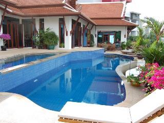 PAT269 Patong Villa Over Looking At Patong Bay
