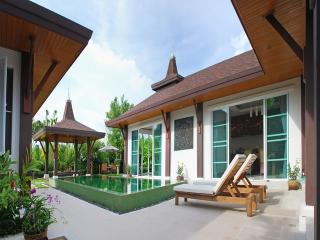 TAL200 Private pool villa with spectacular green mountain views, Thalang District