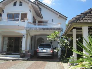 TAL193 Nice home in the village with tropical fruits tree and green garden, Thalang District