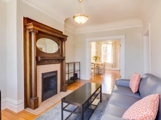 Top Floor Unit In Beautiful Victorian House, San Francisco