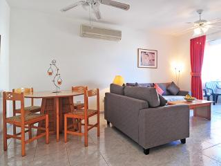 Apartment 'LIKA' with swimming pool, Pafos