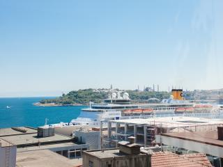 Bosphorus Cool - Central 1 BED with Sea View