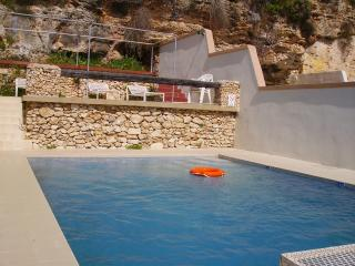 Merill Top 1Bed/R Apart with Private terrace Wifi, Mellieha