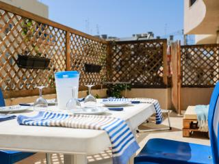 Bonita: Near sea, beach, promenade & restaurants!, Marsascala