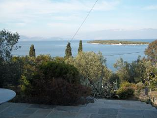 a marvelous and quiet house with a wonderfull view, Amaliapoli