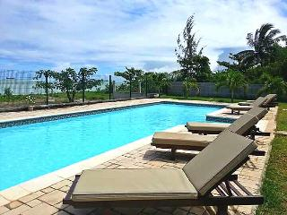 RIVA BELLA - Pieds dans l'eau avec piscine - A1, Pointe Aux Sables